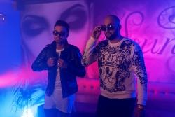 Trap Love un Rassell piedāvā kopīgu videoklipu.