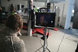 """Māris Bezmers ar Laura Valtera dziesmu """"Pulsē ātrums"""" debitē videoklipu režijā"""